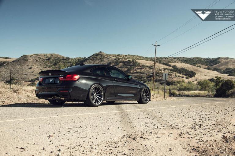 BMW M4 на дисках Vorsteiner V-FF 102
