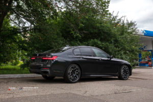 Beneventi RR10 & BMW 7-series