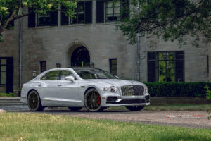 Bentley FLYING-SPUR 2020 на кованых дисках Beneventi RR10 Edge