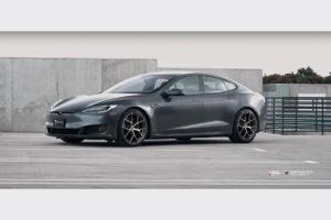 Tesla Model S на кованых дисках Beneventi K2V2