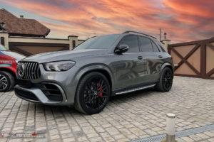 Кованый моноблок BENEVENTI K10 в отделке Black Satin (Черный сатин) и Mercedes-Amg GLE63
