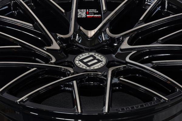 Кованый моноблок BENEVENTI RR20.V1 в отделке Black Shadow Diamond (Темная алмазная проточка в сочетании с черным глянцем) для BMW 7