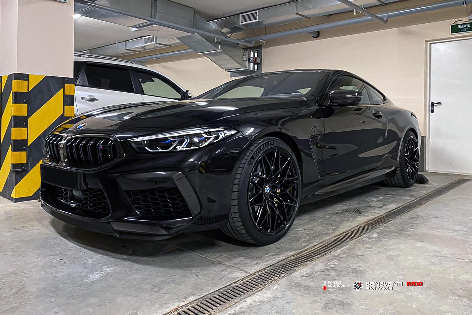 Кованый моноблок Beneventi RR10 в отделке черный глянец и BMW M8