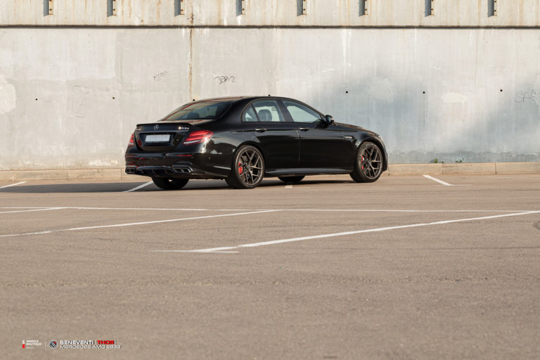 Новейшая модель кованого моноблока Beneventi - THOR и Mercedes-Amg E63S